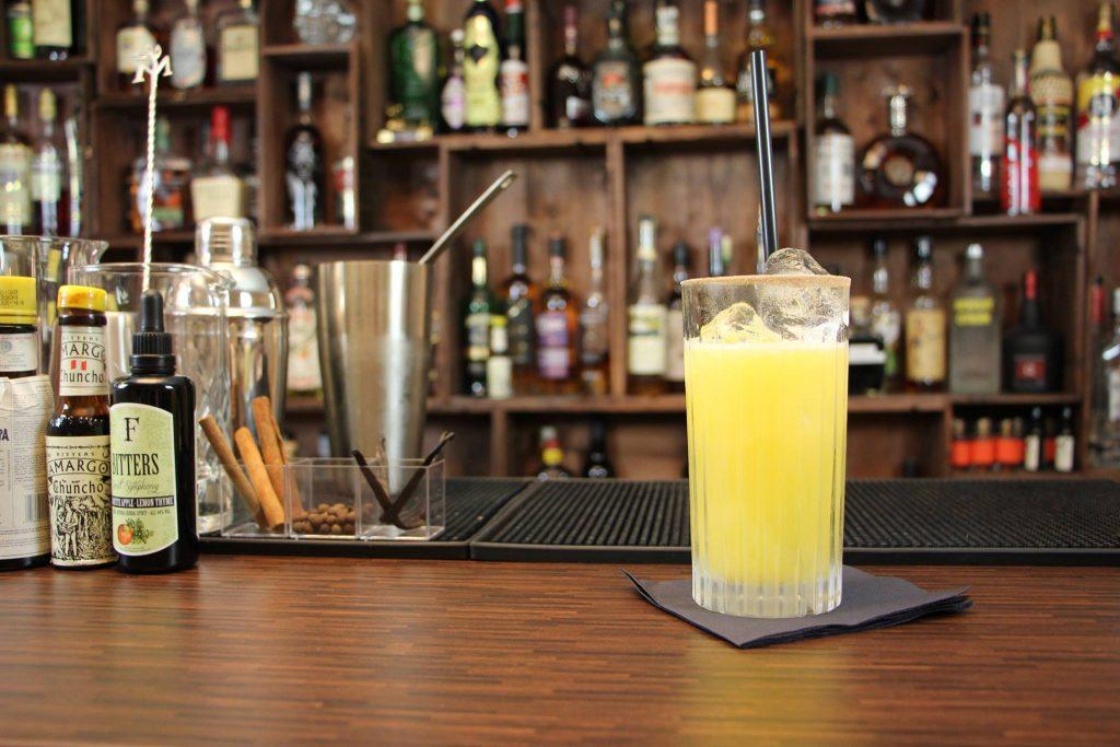 s herb sauer 5 wodka cocktails mit wenigen zutaten banneke. Black Bedroom Furniture Sets. Home Design Ideas