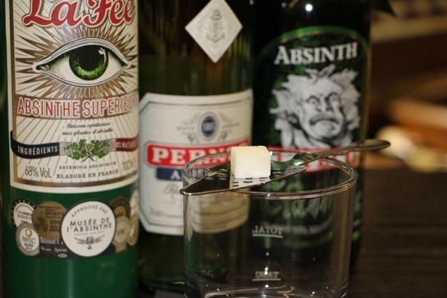 Absinth trinken